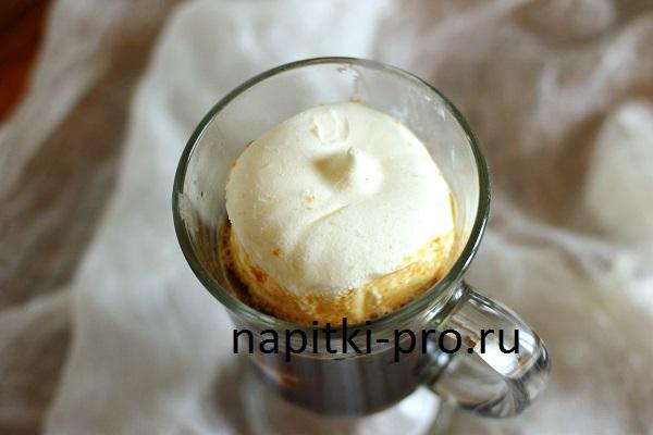 добавляем мороженое
