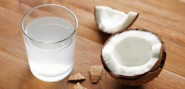 польза воды из кокоса
